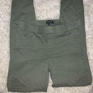 Fun leggings/ pants